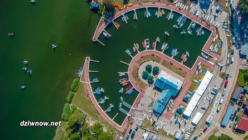 Port żeglarski w Dziwnowie
